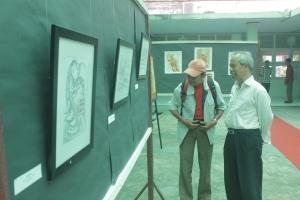 Dokumentasi suasana Pameran Lukisan Kaligrafi Abb. Aziz Ahmad di RRI Makassar, 11 Mei 2013